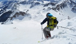 Dropping into heaven. Photo: 14erskiers.com